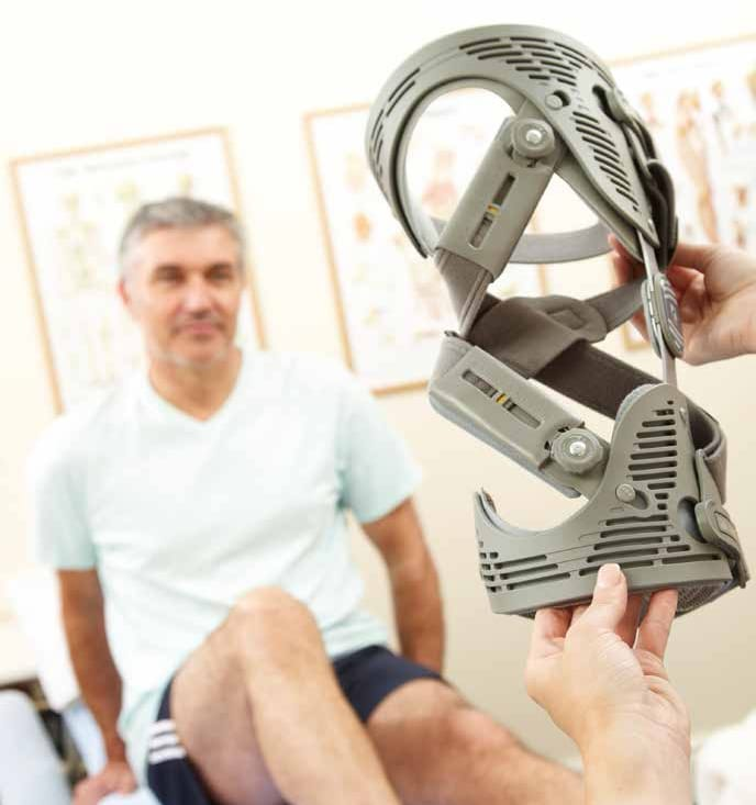 Knie-Orthese Unloader One® bei Mayer Rexing testen