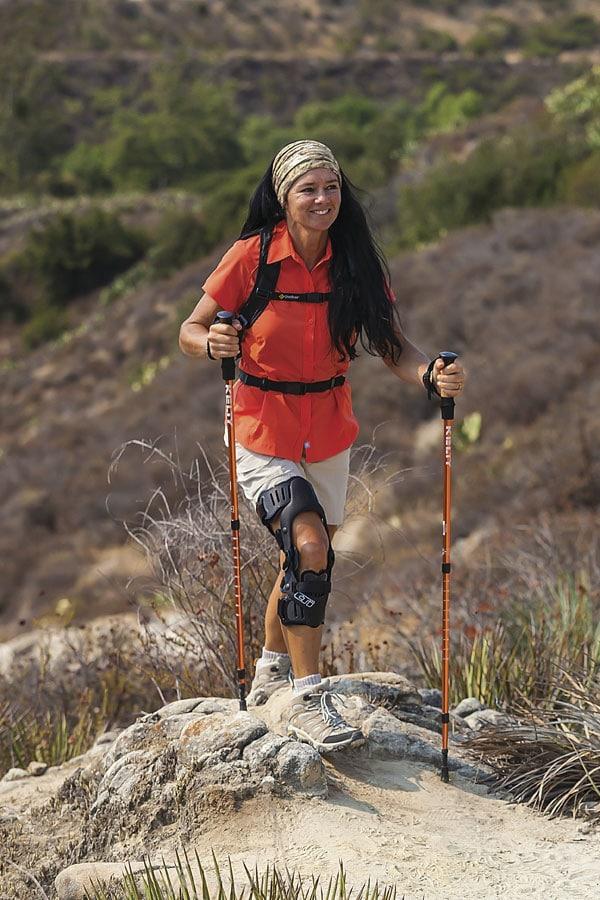 mayer-rexing-knieorthese-oessur-beim-wandern